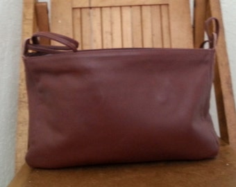 MAROON   ///    NOS Leather Purse
