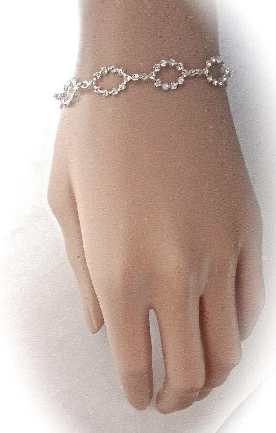 Swarovski crystal bracelet ~ Brides bracelet ~ Bridal jewelry ~ Bridesmaids ~ Sparkling Oval links ~ Anniversary, birthday. Gift ~ Extender-