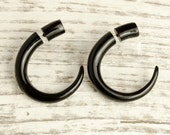 Fake Gauge Earrings Black Horn Hook Talon Tribal Earrings - Gauges Plugs Bone Horn - FG008 H G1