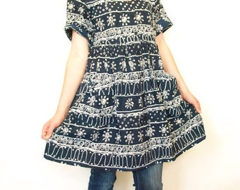 Vintage 90s tribal sun print babydoll festival dress with pockets xs s or m grunge