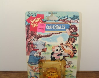 Vintage 1980s Shirt Tales RICK Figurine New In Package. NOS. Shirt Tales. 80s Cartoons. Hallmark Collectibles. Raccoon Figurines. 1980s Toys