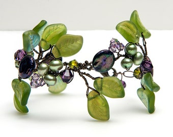 Green and Purple Beaded Glass Leaf Bracelet, Green and Purple Faerie Bracelet, Rustic Wedding Jewelry, Nature Jewelry, Twisted Wire Jewelry