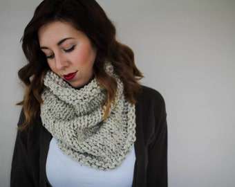 Chunky Knit Cowl // Snood // Pullover // Infinity Scarf // Cowl // Cozy // Oatmeal // Fashion Accessory // Neck Warmer // Slouchy