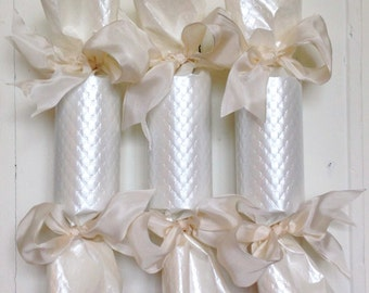 Quilted Ivory Wedding Party Cracker