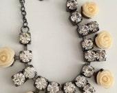 Beautiful cute rhinestones necklace flowers dainty