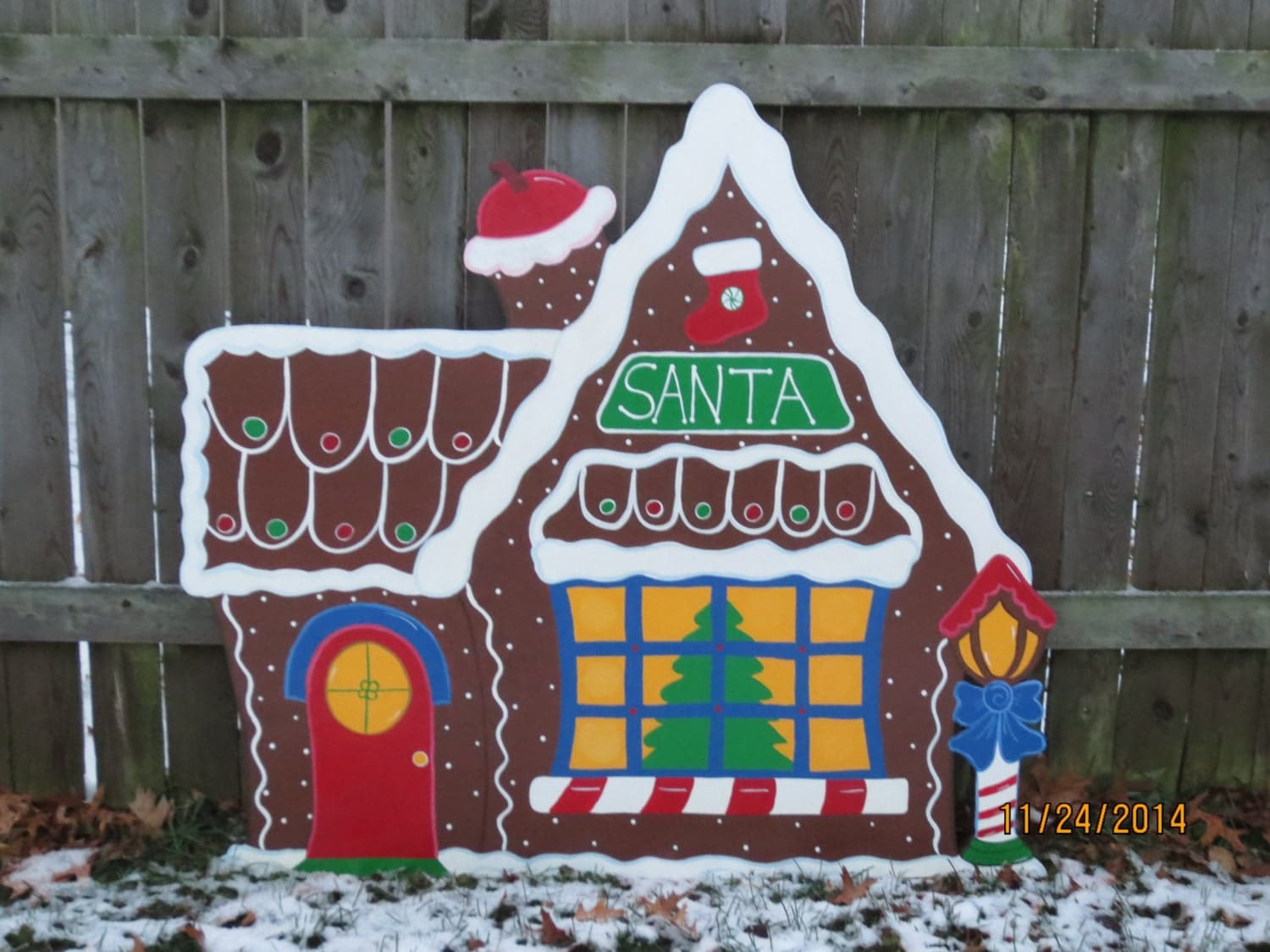 Christmas santa 39 s gingerbread house wood outdoor village for Wooden yard decorations