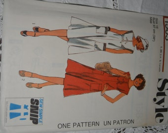 Vintage 70s Style 1583 Misses Dress Sewing Pattern - UNCUT Size 12 or Size 14
