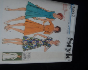 Vintage 70s Style 1262 Womens  Fit to Figure Basic Dress Sewing Pattern - UNCUT Size 46 or Size 48 or Size 50
