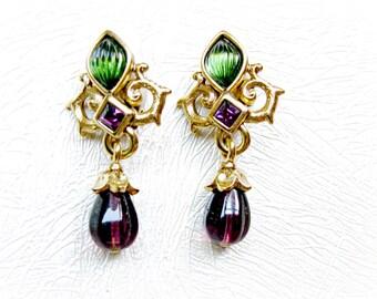 vintage earrings by oscar de la renta purple and green glass gold plated baroque fleur de lis. Black Bedroom Furniture Sets. Home Design Ideas
