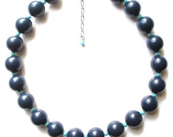 VINTAGE Chunky  Blue and Green Lucite Boho Choker Necklace