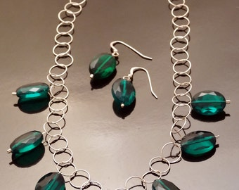 Emerald Green Vintage Lucite Necklace & Earrings Set