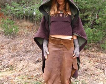 Valeriana Metamorph, Woolen Mantle, double layer cloak