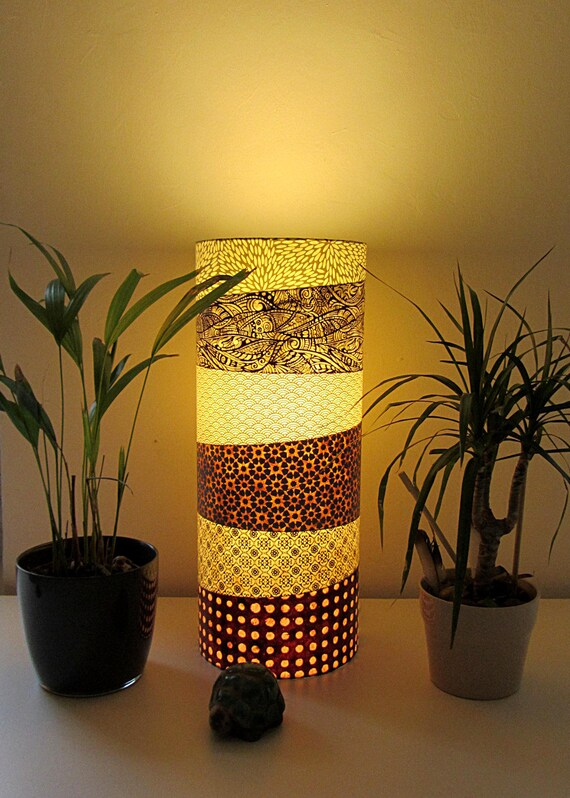 lampe poser totem marge en papier japonais et. Black Bedroom Furniture Sets. Home Design Ideas