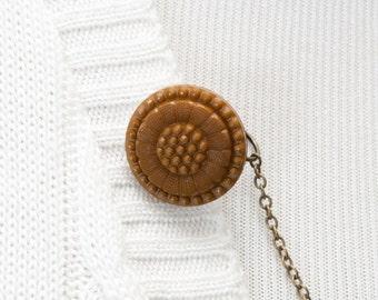 Sweater Clip - Tan