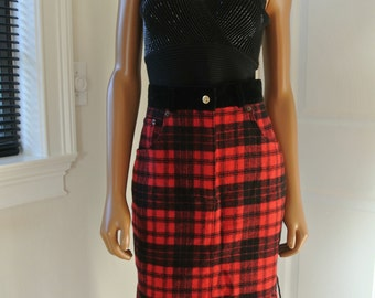 1990s Express Skirt Plaid Tartan Flannel Wool Blend Campagnie Internationale Red and Black 9/10