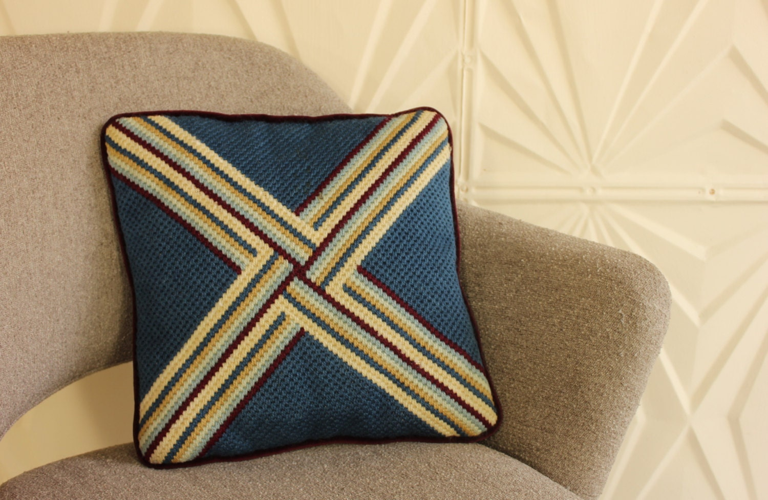 RETRO NEEDLEPOINT PILLOW Decorative Throw Colorful Blue