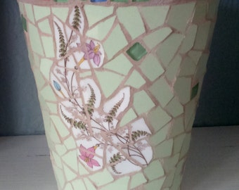 Mosaic flower pot (terracotta); decorative and practical; can be used indoors or outside