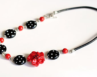 Retro Chic Glass Necklace *FREE SHIPPING*, lampwork, glass necklace, lampwork jewelry, black and white, red glass flower, murano glass