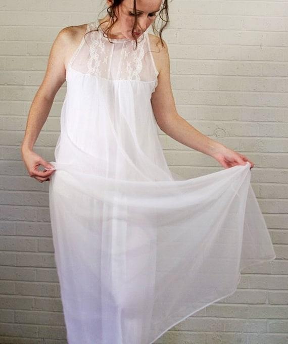 Miss Elaine White Honeymoon Nightgown Beautiful Long White