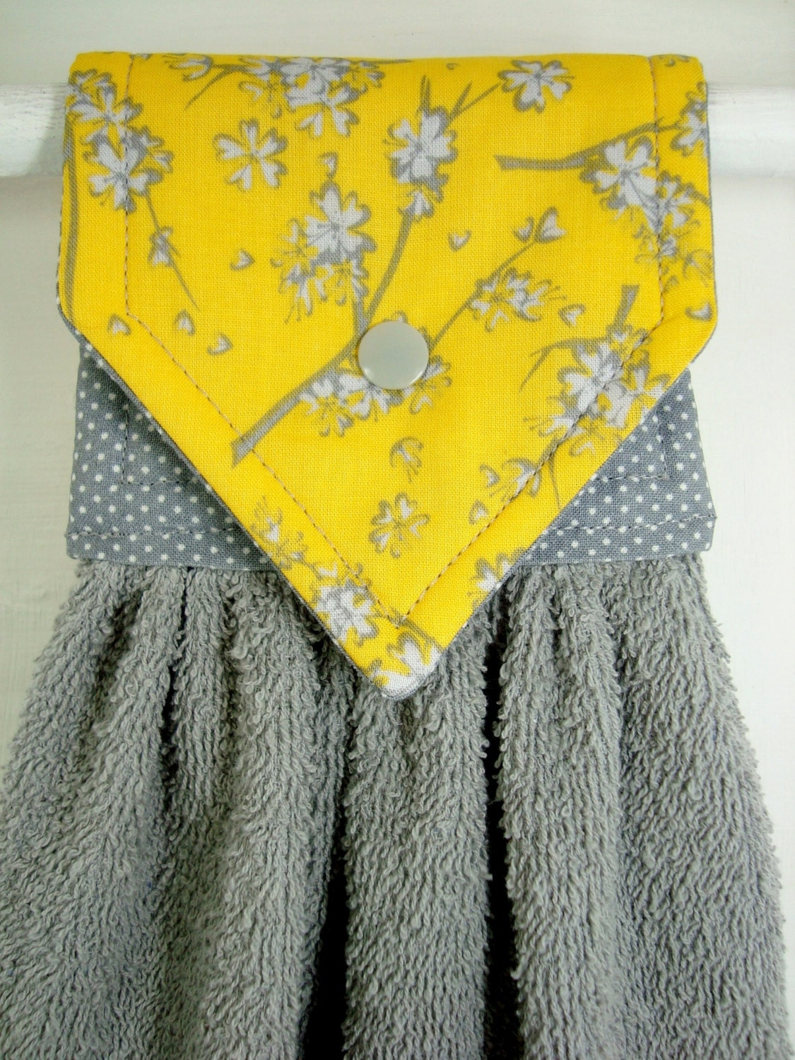 hanging hand towelyellow and gray hand towels grey yellow. Black Bedroom Furniture Sets. Home Design Ideas