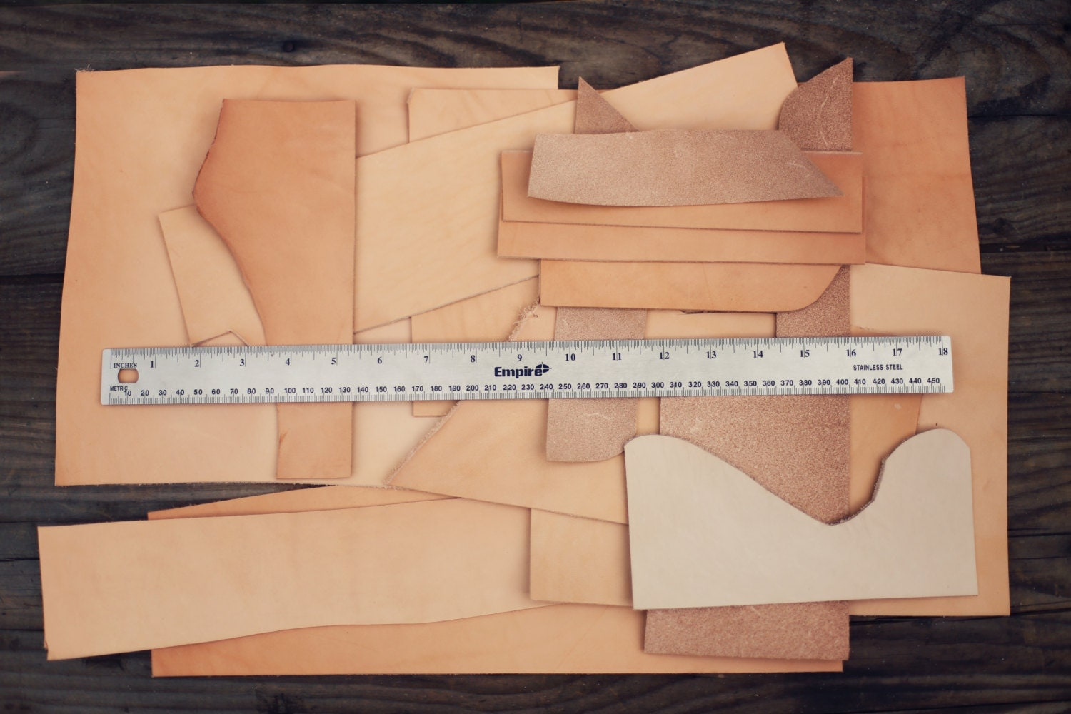Leather scraps for crafts -  Zoom