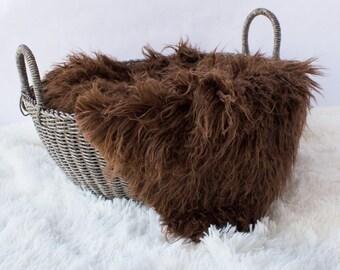 Curly Brown Sheep Faux Fur, Newborn Photo Prop, Brown Alpaca Faux Fur, Flokati Look, Curly Fur, Faux Sheep Fur, Luxury Photo Prop,