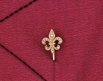 Fleur-de-Lis Gold Stick Pin with Pearls