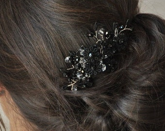 Comb in black lace and Swarovski crystals