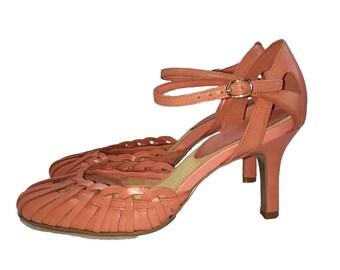 Vintage 1980s Peach Round Toe Heels by Nine West