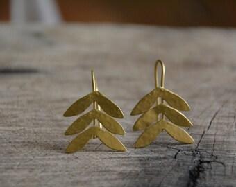 Gold tree earrings, vintage style earrings, bridal earrings, dainty lightweight earrings, delicate gold earrings, bridesmaids earrings gift