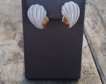 Gold Shell Earrings 14k Yellow Gold Mother of Pearl Old New Stock Vintage