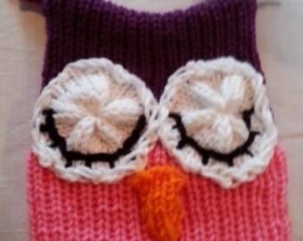 Sleepy owl knitted hat