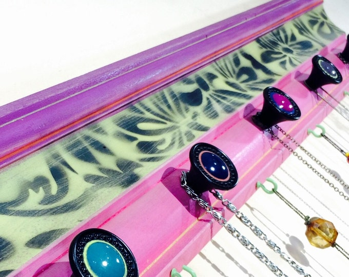 Recycled wood crown molding necklace holder jewelry hanger /moulding wall hanging jewelry display wood decor 4 hooks & 5 hand-painted knobs