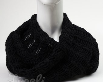 BIG SALE, Knit Scarf, Infinity Scarf, Black Scarf, Winter Scarves, Chunky Knit Cowl, Circle Scarf, Neck Warmer, Cowl Scarf, Wrap Scarf