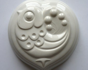 vintage french ceramic jelly mould