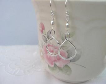 Pearl Infinity Earrings in Sterling Silver, Freshwater Pearls, Infinity Wedding Jewelry, Bride or Bridesmaid Earrings, Bridal Jewelry