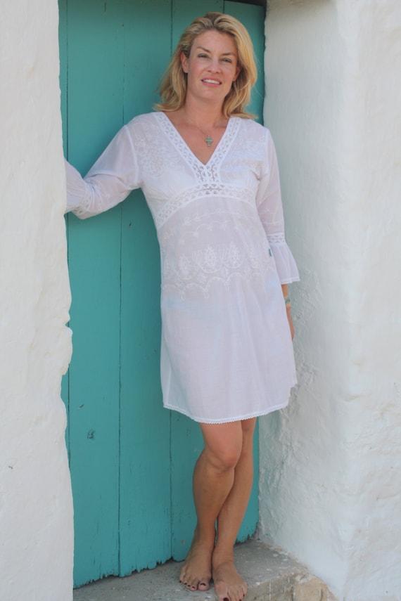 robe d 39 t ibiza style boho blanche courte coton. Black Bedroom Furniture Sets. Home Design Ideas
