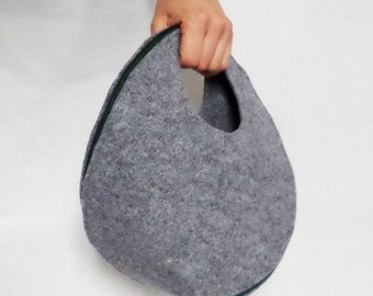 POPUP BAG a 3D bag made from a single felt shape