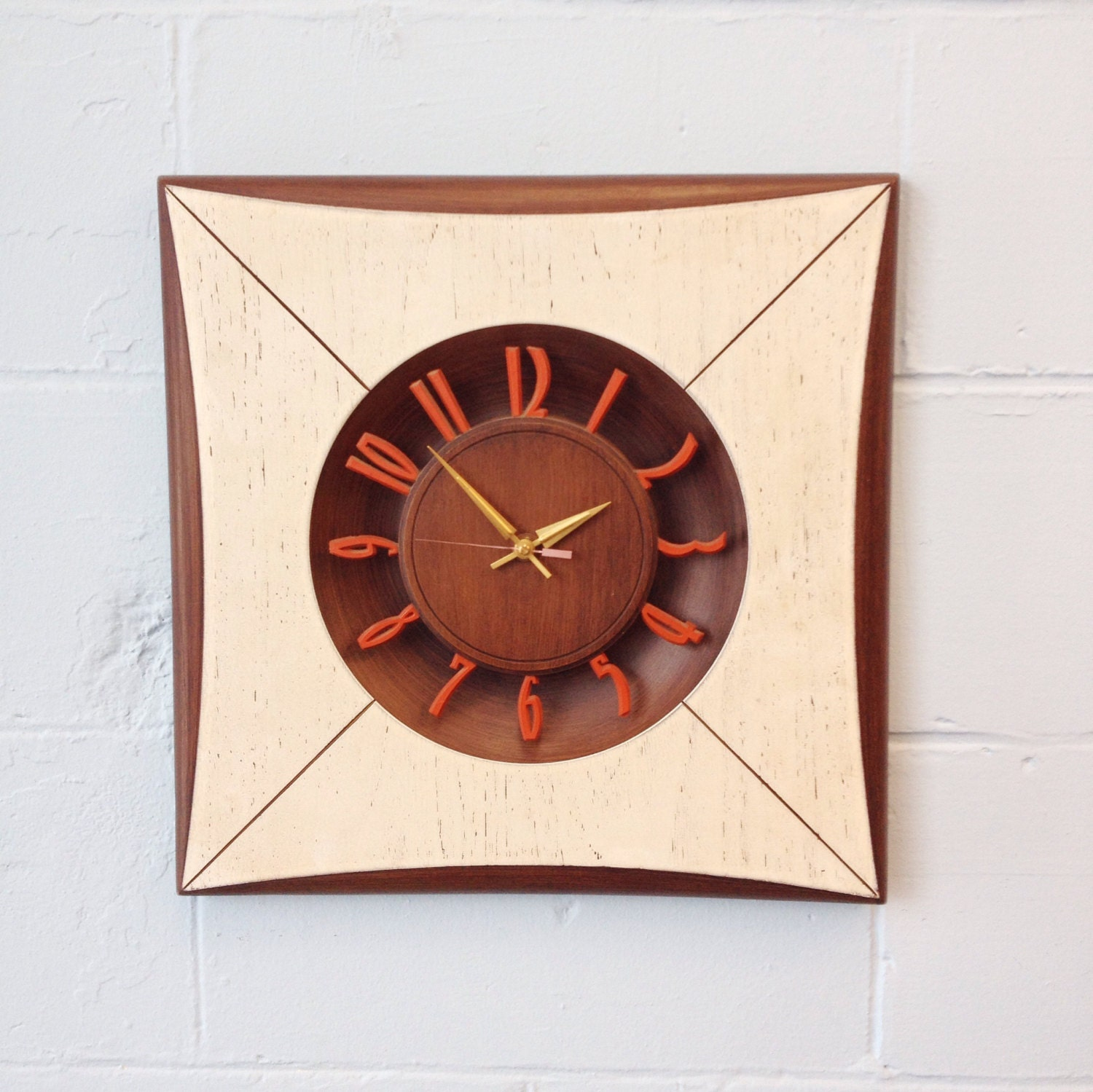 mid century modern wall clock by bemodernonline on etsy. Black Bedroom Furniture Sets. Home Design Ideas