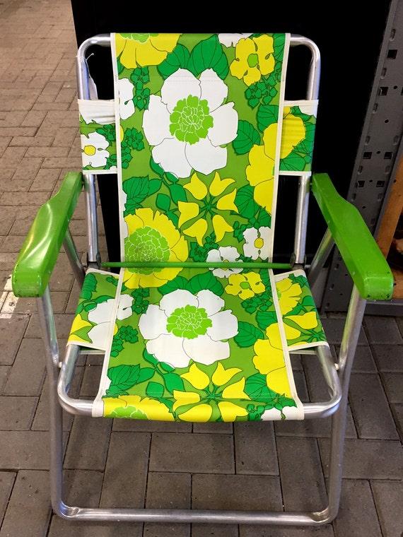 Vintage aluminum folding lawn chair 60s 70s retro floral for Vintage 70s chair