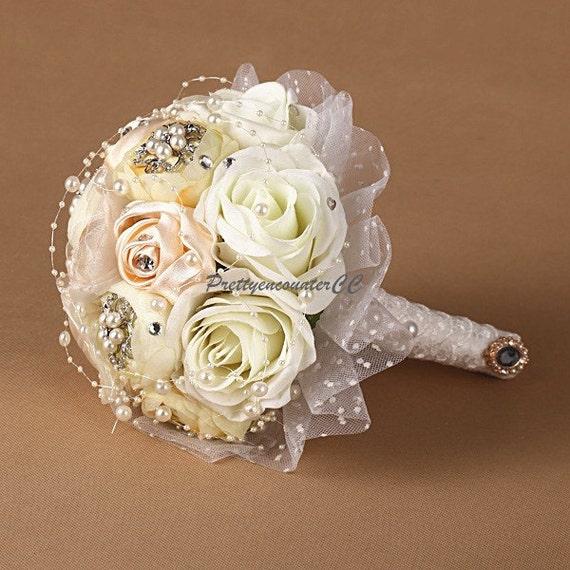 Lumineux bouquet de mariage champagne blanc roses strass for Bouquet de fleurs lumineux