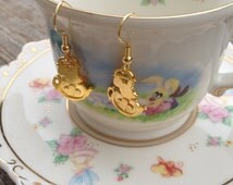 alice in wonderland / earrings / disney jewelry / tea party / mouse in the teapot / mad hatter / unbirthday