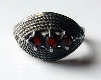 Vintage Silver Garnet Trilogy Ring Size 5 3/4 - L