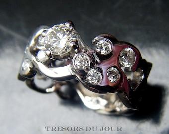 Unique Engagement Ring DIAMOND Engagement Ring 'Solferino' Unique Solitaire Engagement Ring 1 ct conflict free diamond Moissanite Engagement