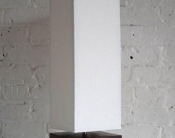 "Brooklyn Loft ""Totem Lamp"" cream on hormigo negro"