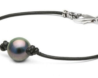 Black Tahitian Pearl on Leather Bracelet, 10.0-11.0mm, AAA Quality, Sterling Lobster Clasp