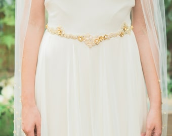 Adria belt with gold detail and crystal