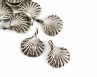6 Mykonos Scallop Shell with Bale - 15mm Pewter - Small Shell Charm