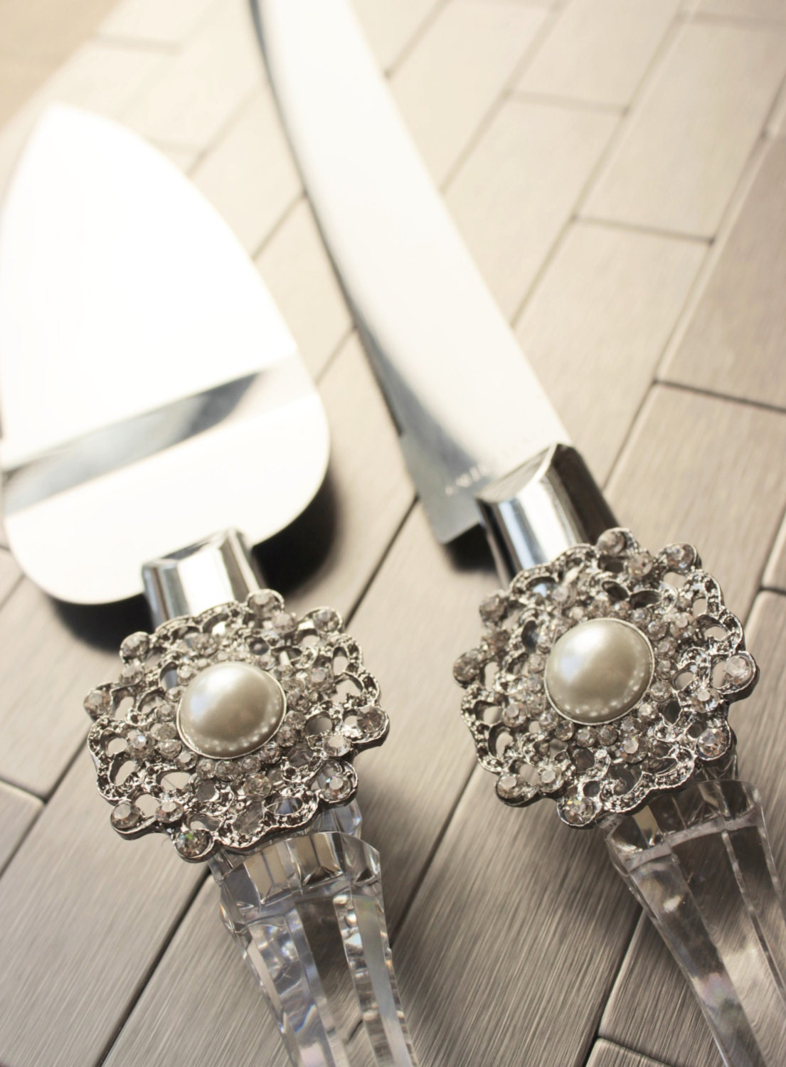bling wedding cake cutting set wedding cake server and knife pearl and rhinestone wedding 11924
