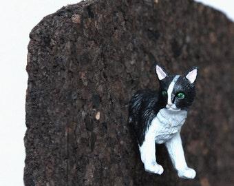 """Pushpin """"Black-white Cat"""""""